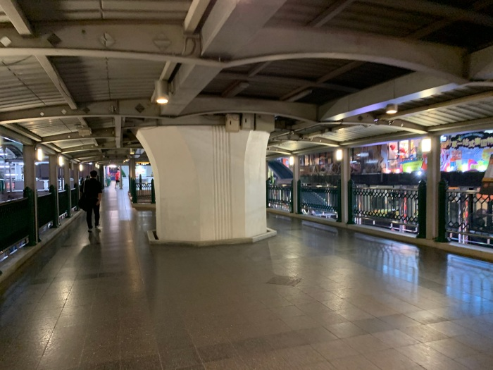 A near-empty Ratchaprasong walkway